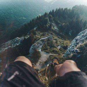 Blick vom Gipfelkreuz des Steinebergs